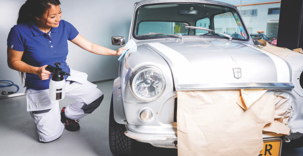 Tricks and Tips to Paint your Car with a Paint Sprayer